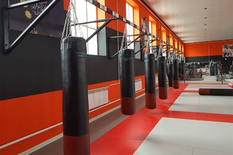 Оборудование для бокса и единоборств в клубе Ахмат