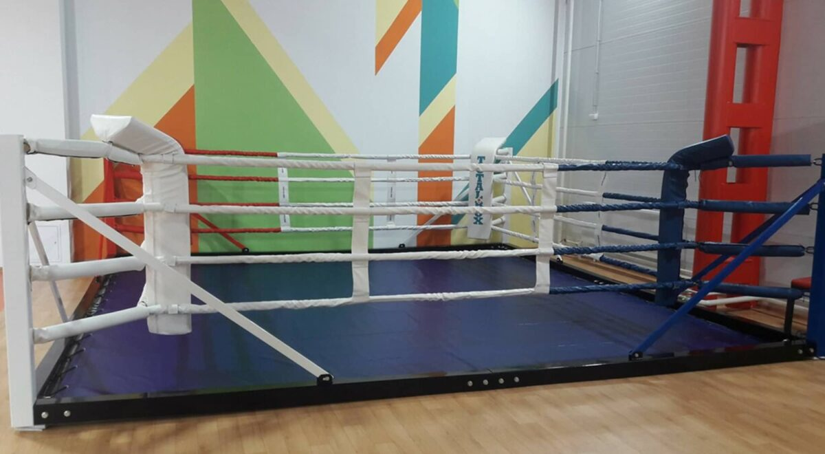 Ринг боксерский напольный «TOTALBOX» на балке размер по канатам 5×5 м