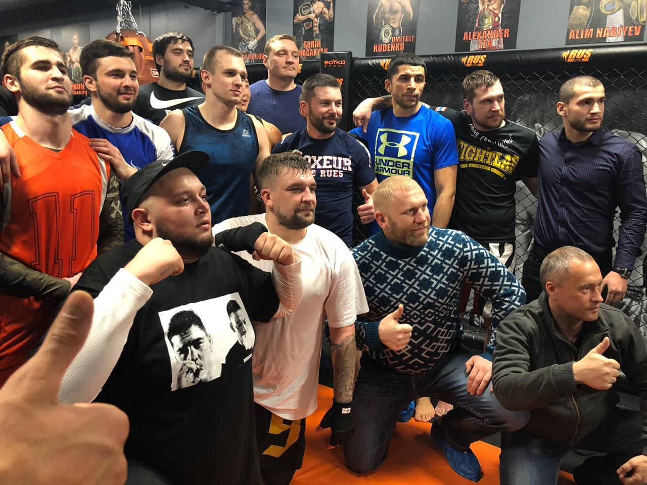 Баста и Кривуша открыли клуб RusGym